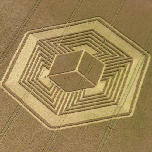 3D Floating Cube UK Crop Circle